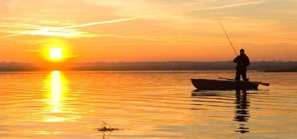 Лодка для рыбалки - как правильно выбрать судно