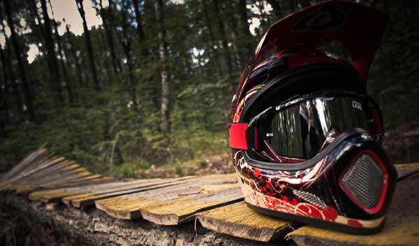 Кроссовый шлем для мотоцикла, как выбрать
