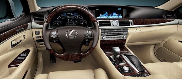 В новом Lexus LS появились продвинутые технологии безопасности