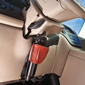 Травматическое оружие в автомобиле