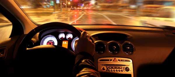 Уроки вождения в темноте, особенности и рекомендации